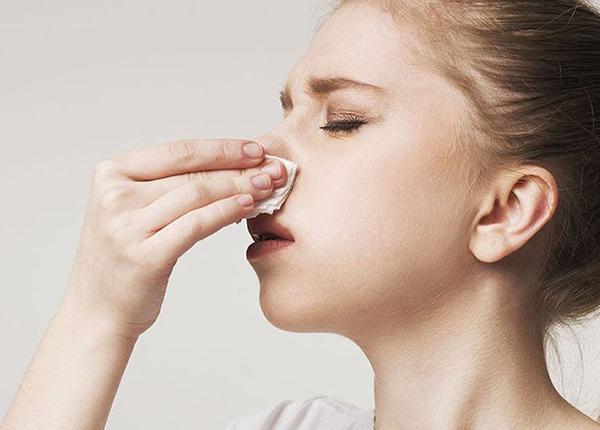 Viêm mũi dị ứng do thời tiết là lại bệnh dễ gặp phải