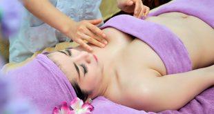 Nâng ngực an toàn nhờ massage