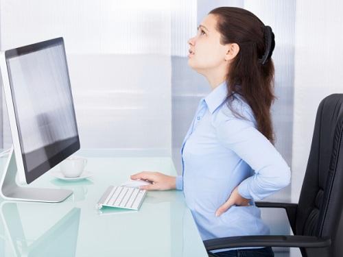 Bác sĩ YHCT tư vấn chữa đau lưng từ những vị thuốc nam ngay trong vườn nhà