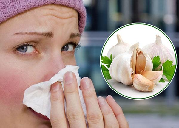 Nên lưu ý gì khi dùng tỏi trị viêm mũi dị ứng