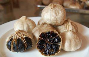 YHCT giới thiệu những món ăn vị thuốc làm từ tỏi đen