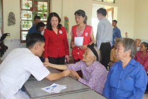 Phòng thuốc nam Phước Thiện tổ chức khám chữa bệnh miễn phí