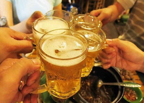 Uống nhiều rượu bia còn gây tổn hại nghiêm trọng cho gan