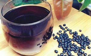 Một số bài thuốc thanh nhiệt, giải độc từ đậu đen
