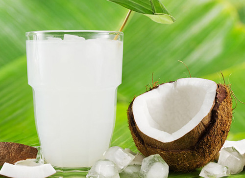 Dừa tươi là một lựa chọn hợp lý để bù điện giải cho cơ thể