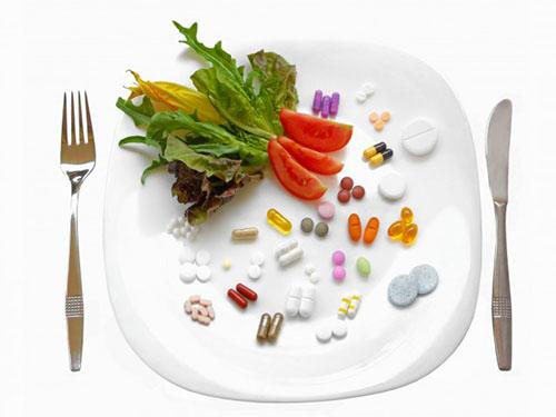Một số loại thực phẩm khi sử dụng cùng thuốc dẫn đến những tác dụng phụ